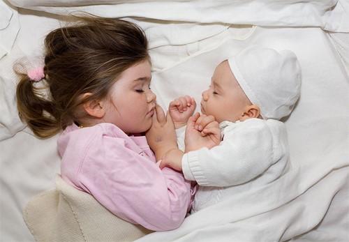 Cho bé ngủ đúng cách giúp bé phát triển tối đa 1