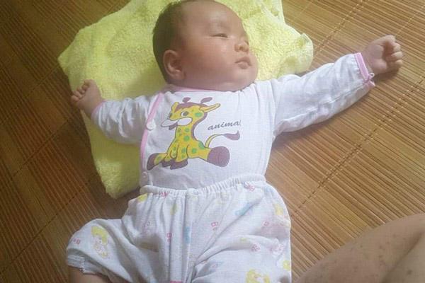 Chị Kim Ngân (Nam Định) chia sẻ về siro thảo dược chuẩn hóa châu Âu chuyên trị giật mình, khóc đêm cho con: 1