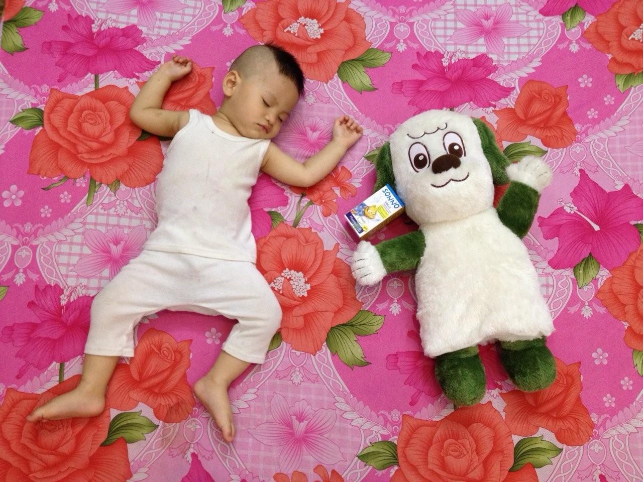 Trẻ sơ sinh ngủ ngày cày đêm, mẹ hãy áp dụng cách hiệu quả này! 1