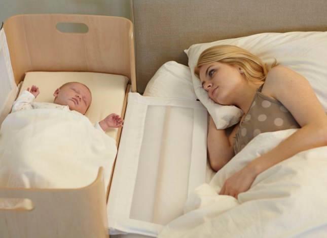 Chú ý hạn chế để bé ngủ chung giường với người lớn: 1