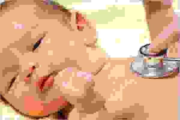 Trẻ bị thiếu oxy 1